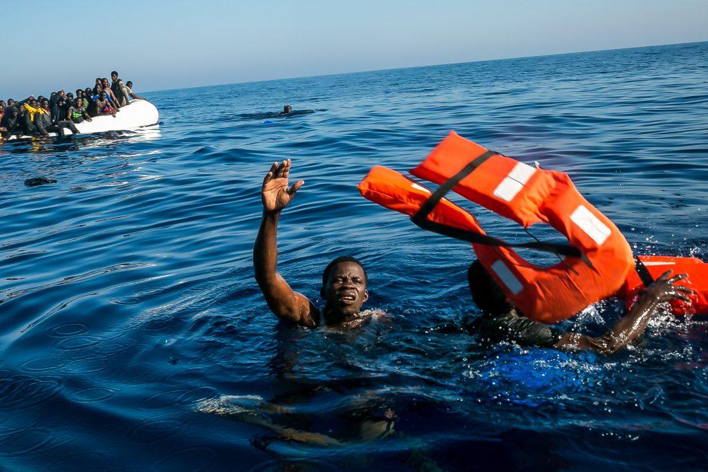 Seenotrettung im Mittelmeer von Menschen auf der Flucht, März 2017 // Foto: Fabian Melber/Sea-Watch.org